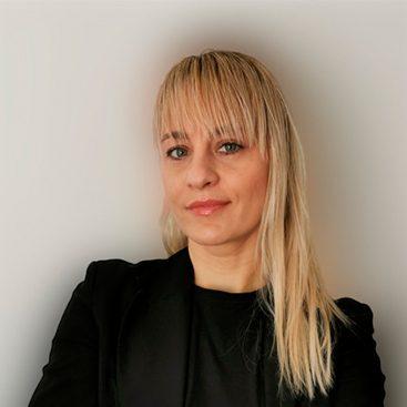 Dr. Anetta Vajda